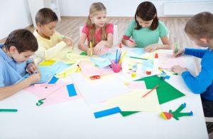 Cartulinas y papeles de colores para manualidades